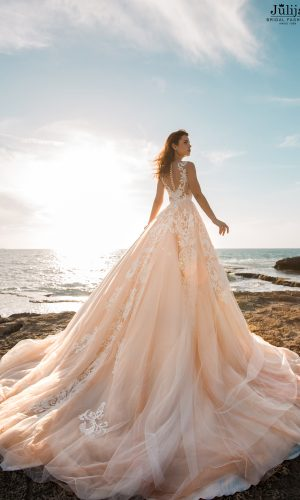 Gaumīgas kāzu kleitas