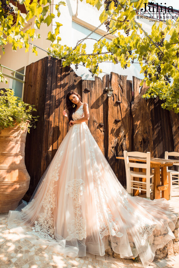 Apbrīnojamas kāzu kleitas 2020